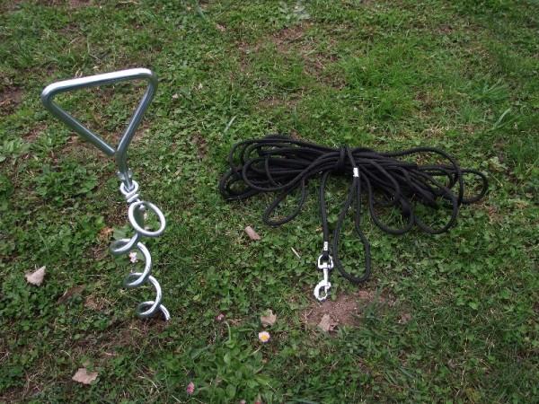 Anlegepflock mit Wirbel und Leine 15 Meter